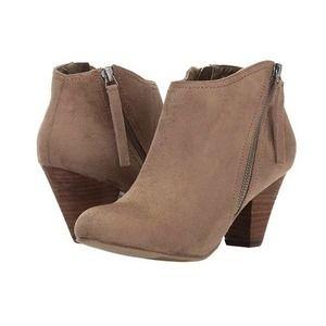 XOXO Amberly Mid Heel Side Zipper Ankle Booties